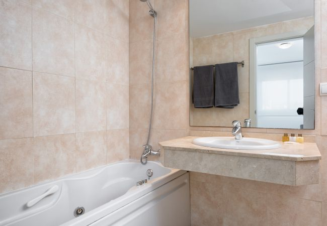 Apartment in Málaga - Pacífico 37